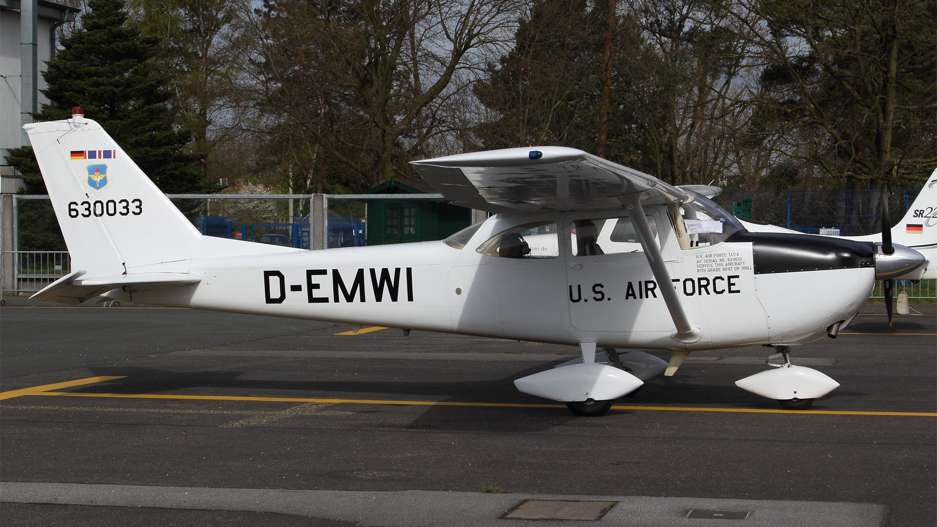D-EMWI-1 C172 ESS 201504