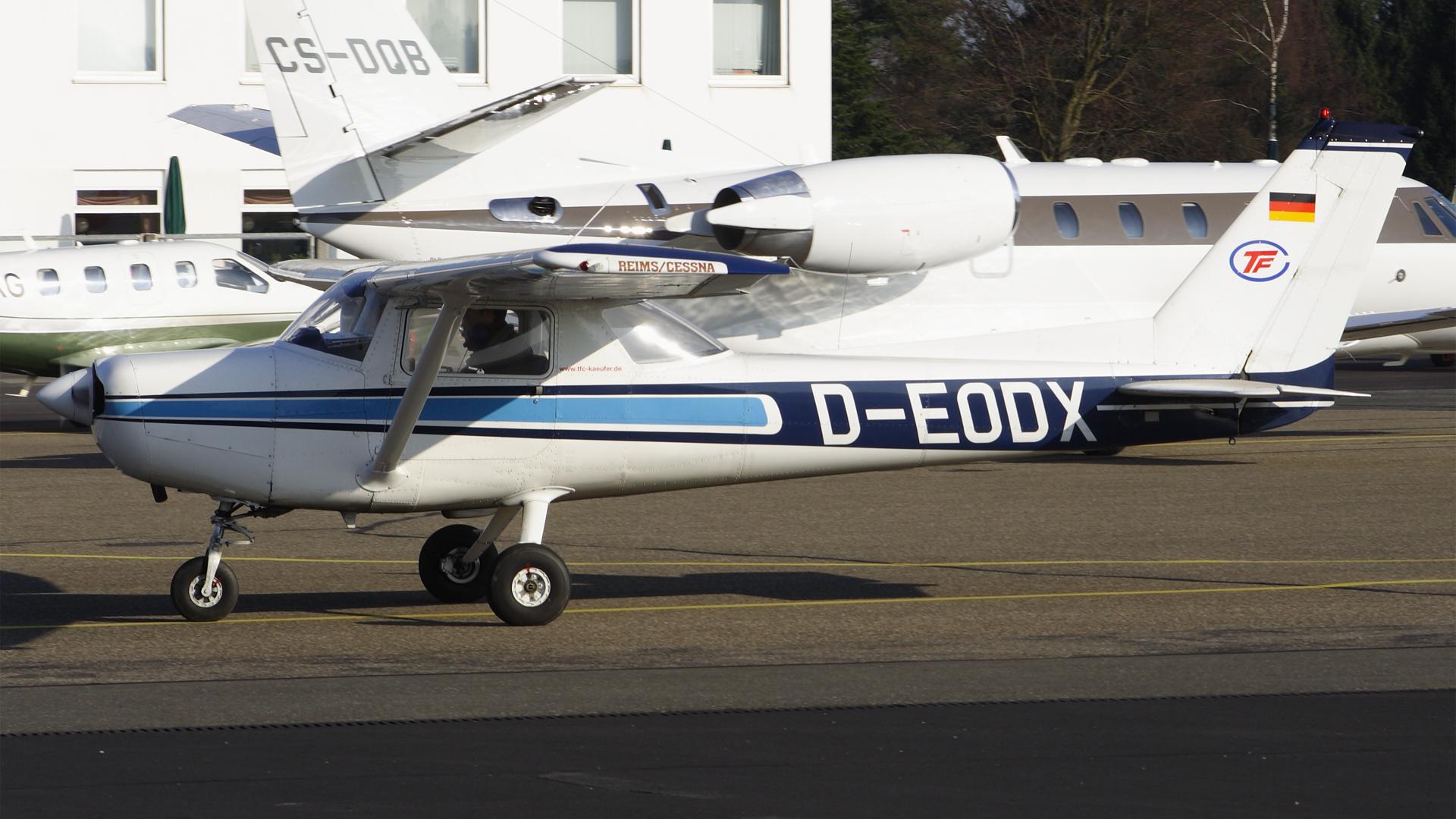 D-EODX-1 C152  ESS 200904
