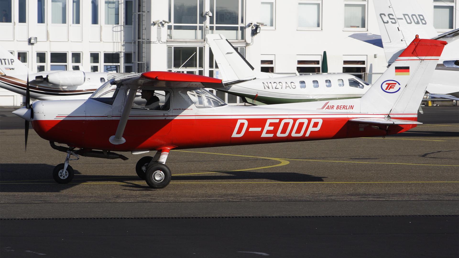 D-EOOP-1 C152  ESS 200904