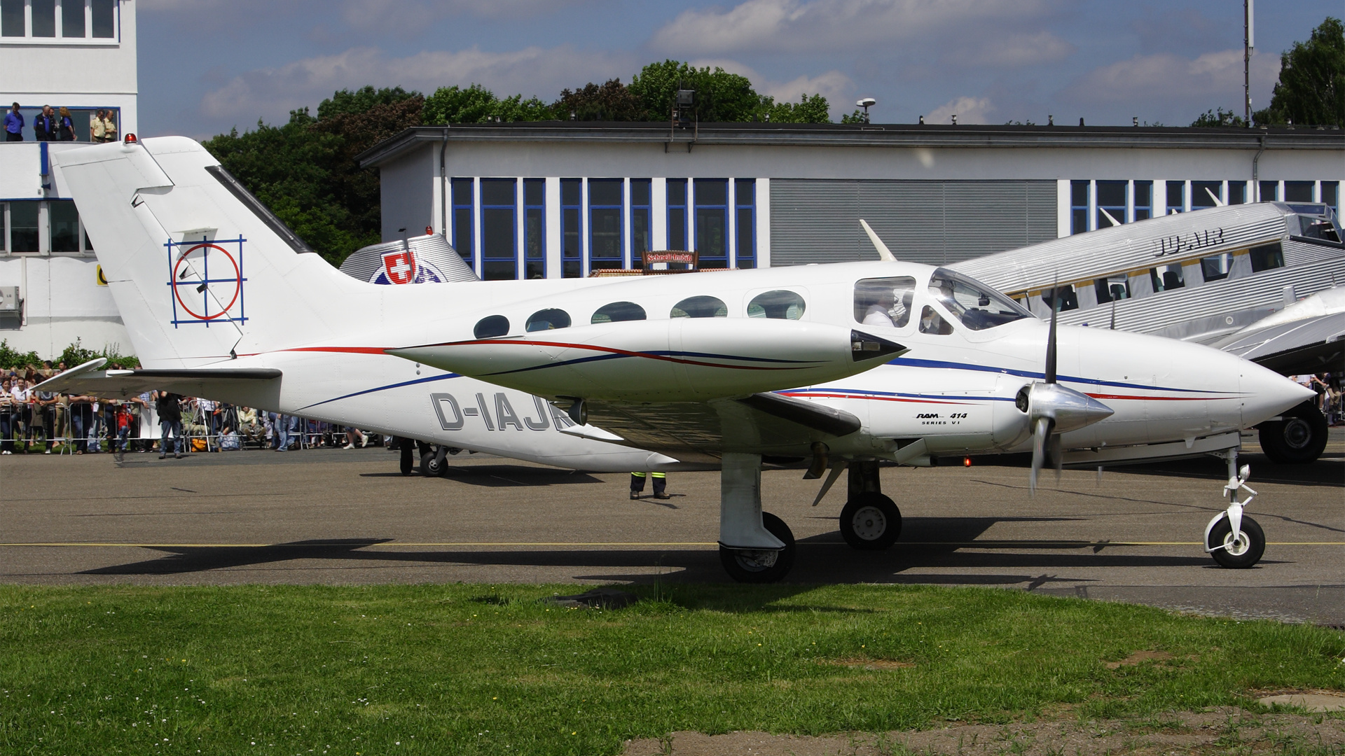 D-IAJK-1 C414 ESS 200806