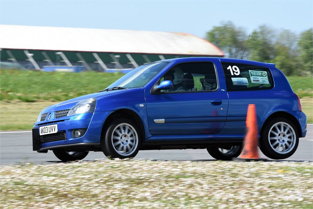 Rob Thomson, Clio 172 Cup at Llandow (T Smith)