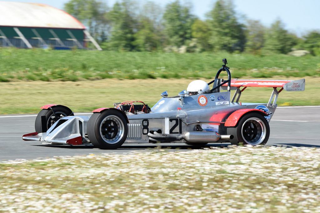 The Mallock MK 11B of Philip Stader at Llandow (T Smith)