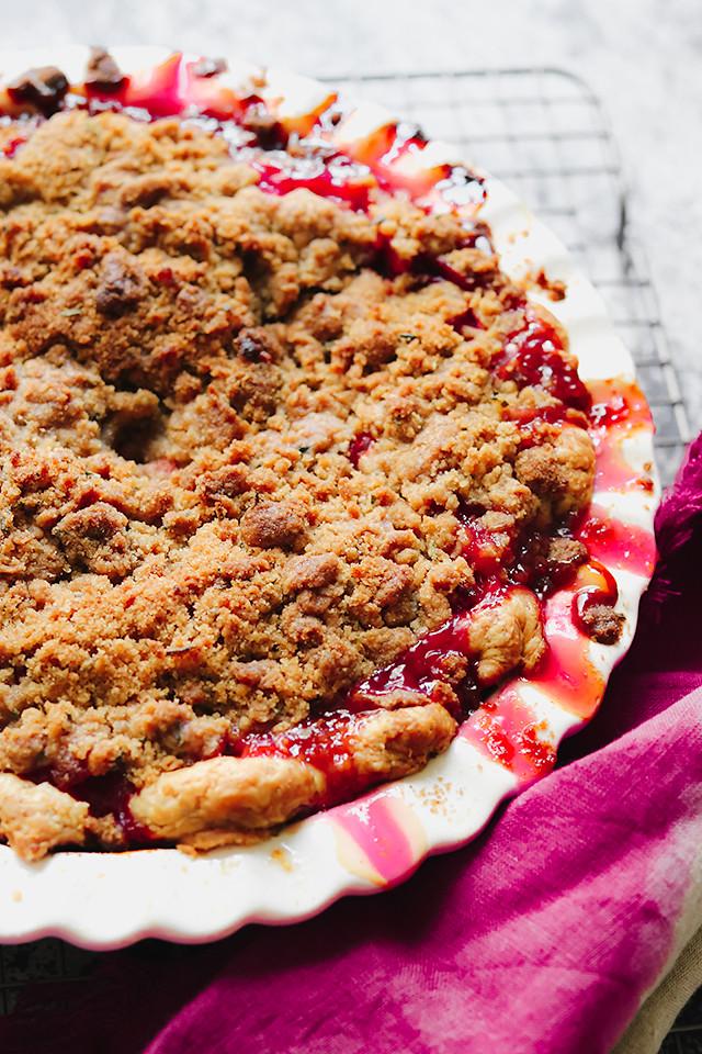 Rhubarb Rosemary Streusel Pie