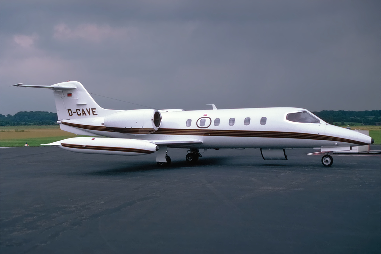 D-CAVE-1 Learjet ESS 199106