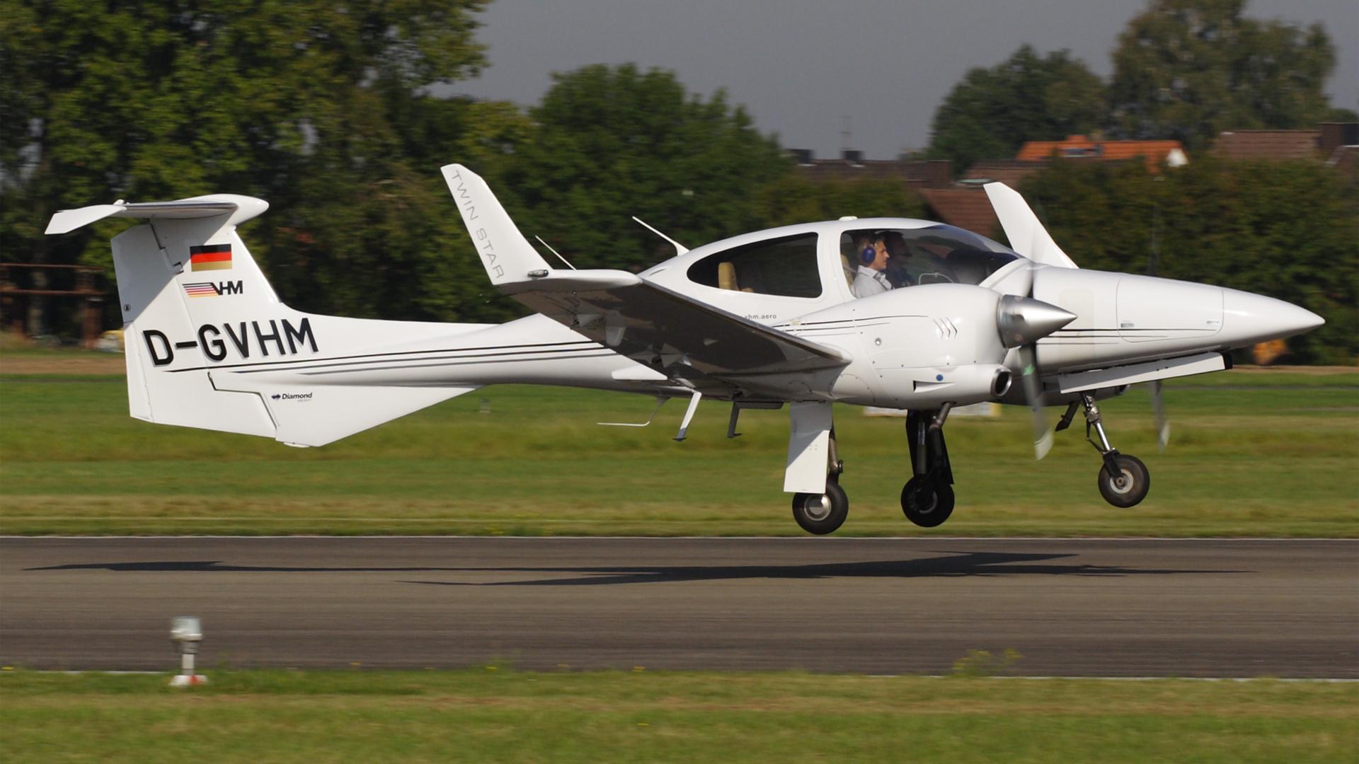 D-GVHM-2 DA42 ESS 200909