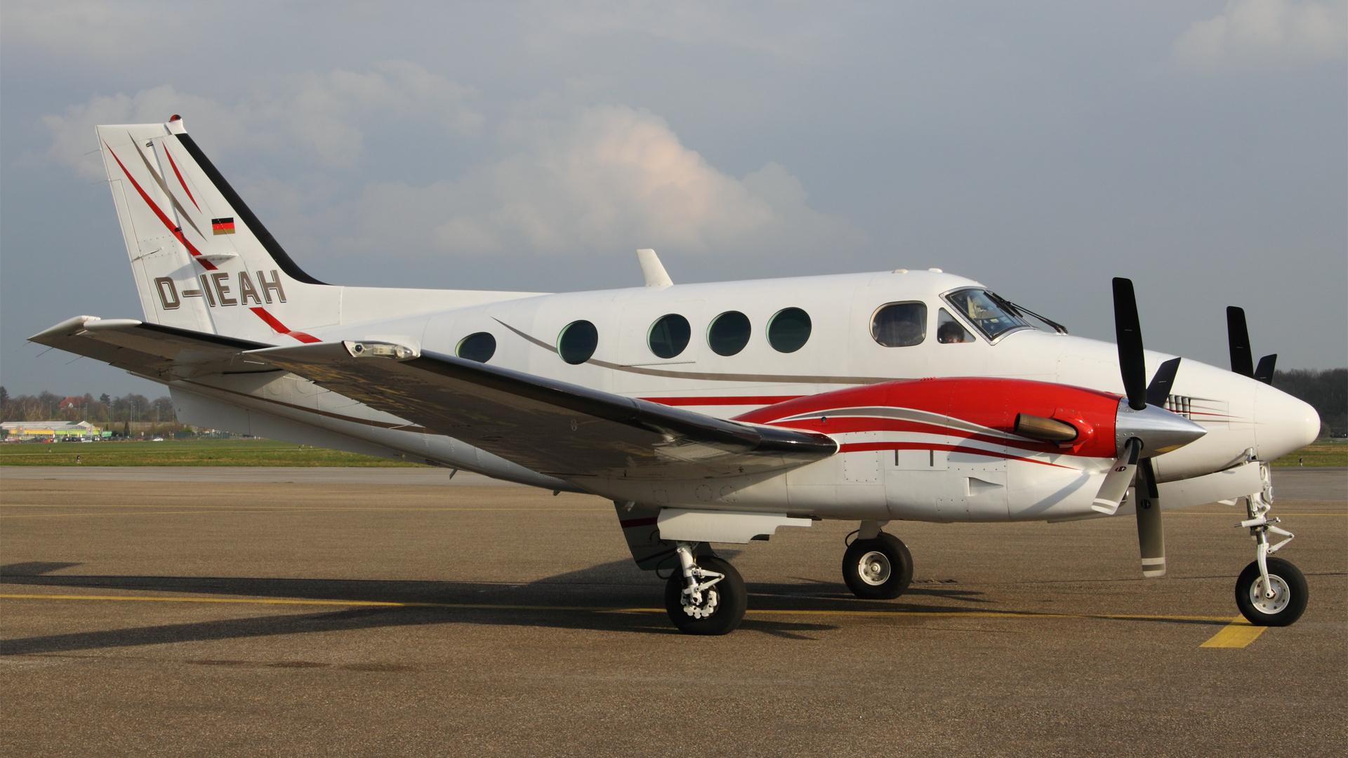 D-IEAH-1 BEACH90 ESS 201103