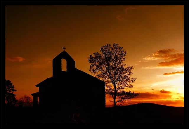 Sunset on St-Roch chapel