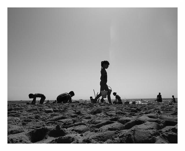 Marseillan  Beach Summer Children Games
