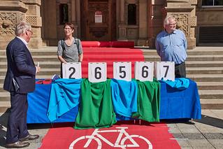 26.567 Unterschriften