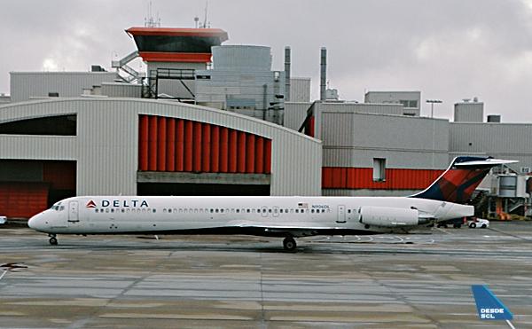Delta MD88 ATL (RD)
