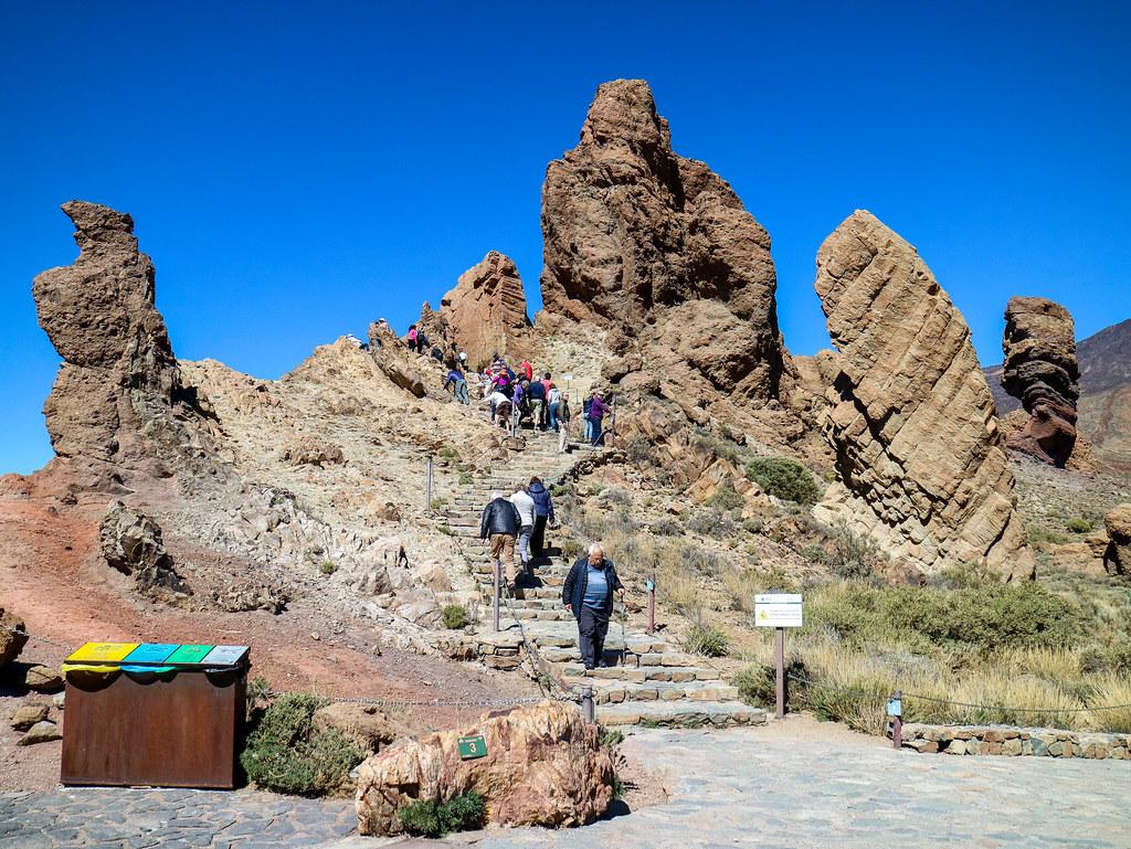 Los Roques del billete de 1000 pesetas es una parada en El Teide en transporte público