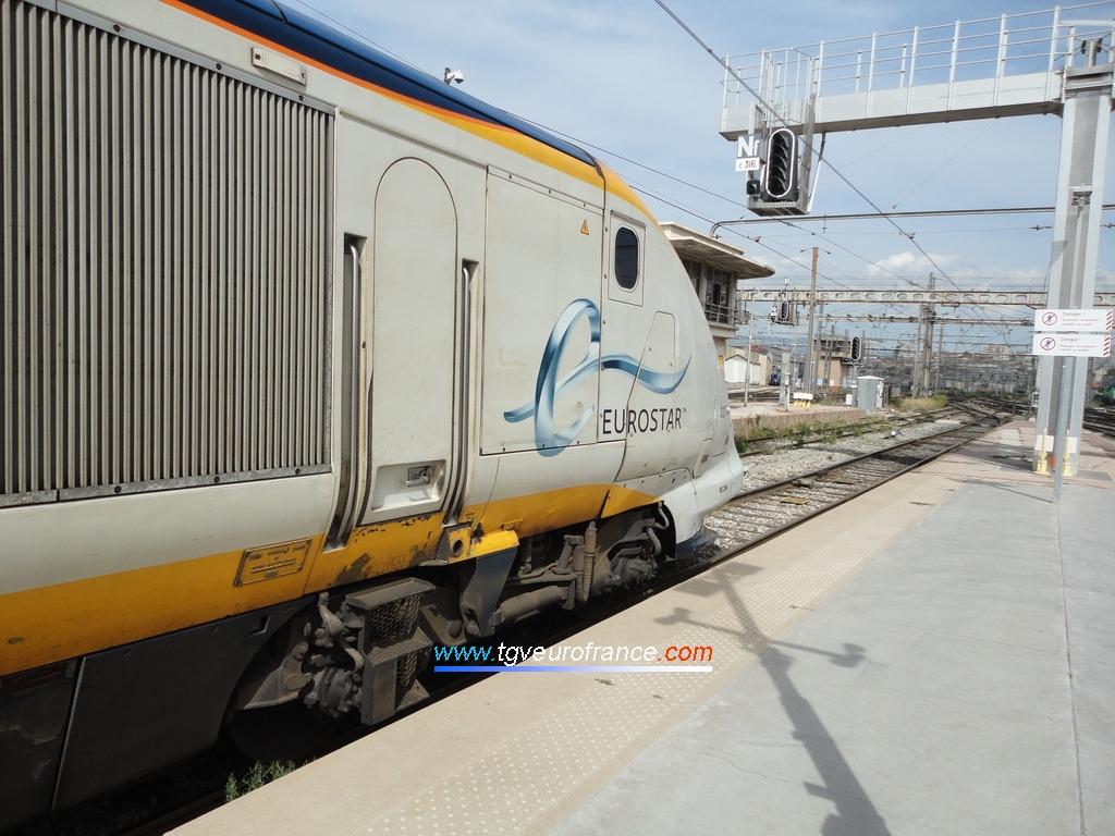 La rame Eurostar 3217-3218 s'apprêtant à quitter la voie E en  en gare de Marseille Saint-Charles