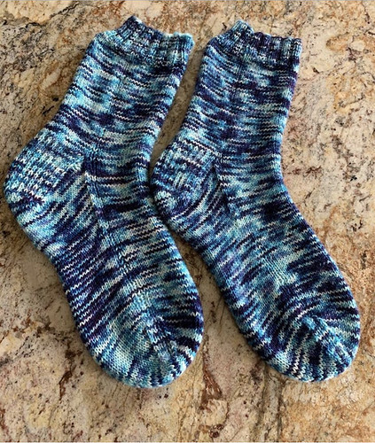 Dianne got another WIP finished to FO!! Pretty socks!