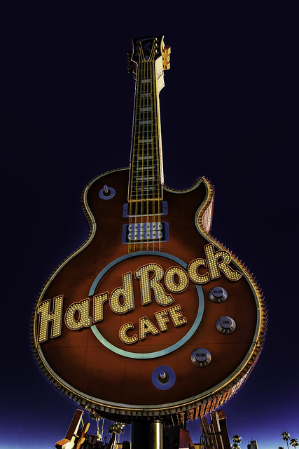 0246937642311778-123-20-04-Hard Rock Cafe Las Vegas Neon-3