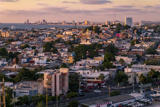 Sunset City View - Mazatlán, Sinaloa, México