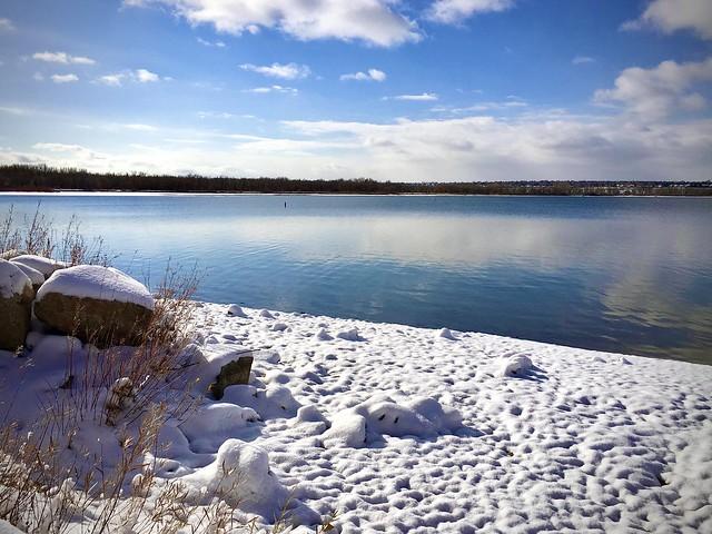 Winter morning at Cherry Creek Lake