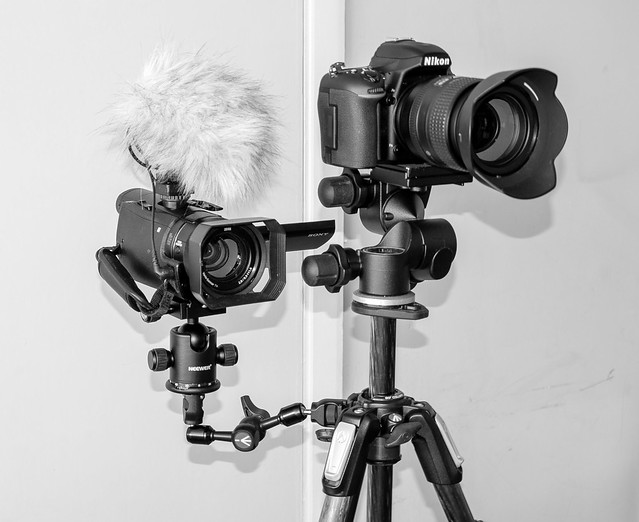 2 Camera mount on Tripod