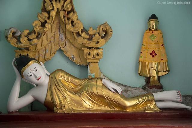 Patsas Shwedagonin pagodilla Yangonissa