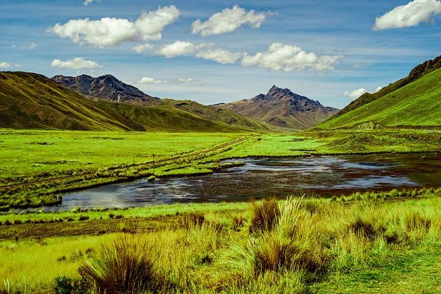 Abra la raya pass, Peru
