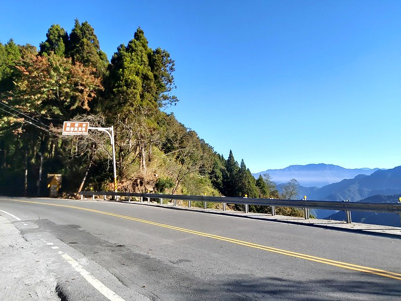 Tefuye entrance on Zhizhong side is very close to Mt. Ali (Alishan)