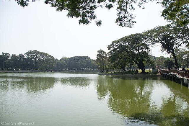 Järvimaisema Kandawgyin tekojärvellä Yangonissa