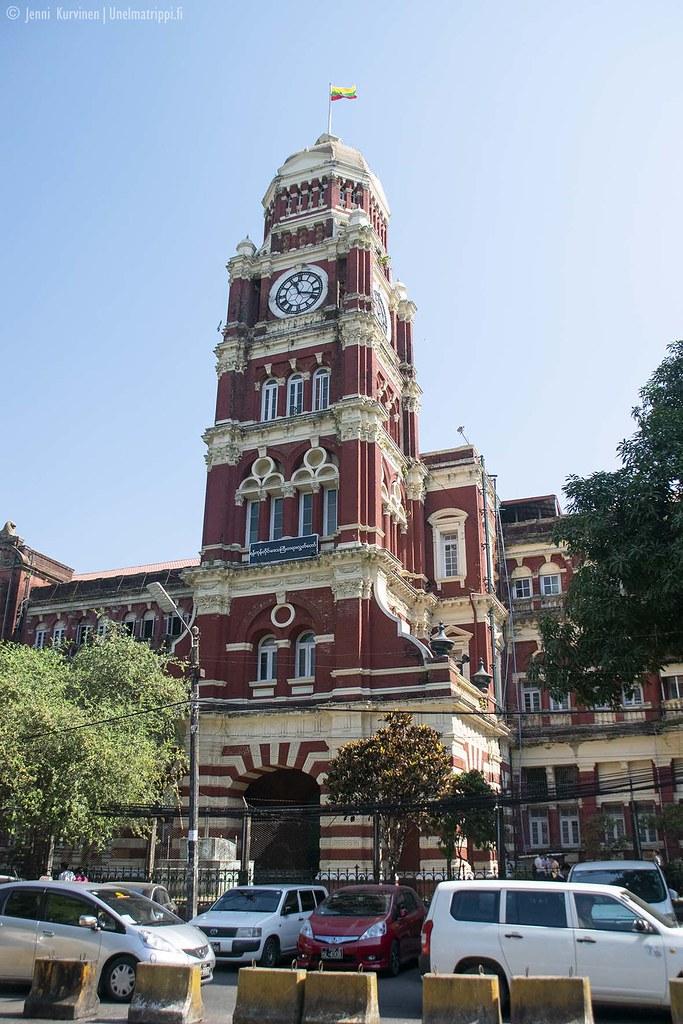 Kunnostettu vanha rakennus Yangonissa