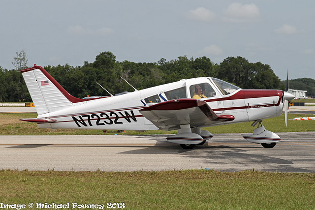 N7232W - 1963 build Piper PA-28-180 Cherokee B, taxiing at Lakeland during Sun 'n Fun 2013