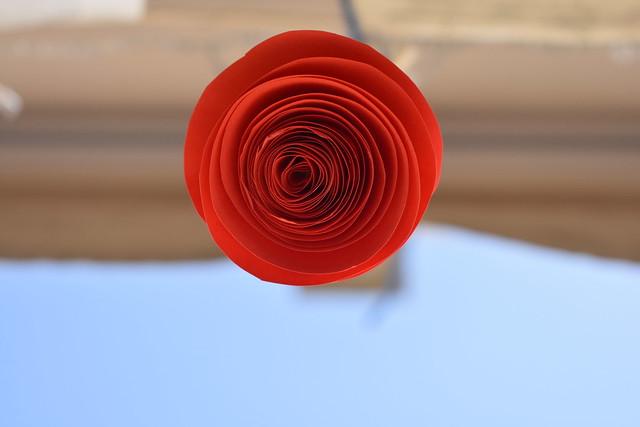 25-04-2020 Rosa de papel.