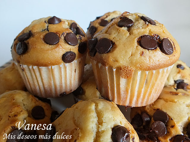 MuffinsdeVainillaconChipsdeChocolate00_