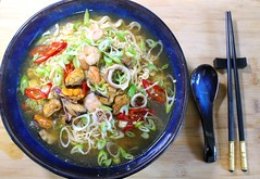 "TODAY´S LUNCH AT ""CHEZ BELLA"" – ""SEAFOOD SOUP WITH MEE NOODLES"""