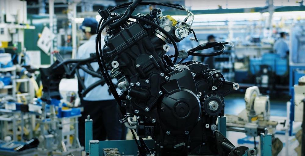 Yamaha Niken Production Engine