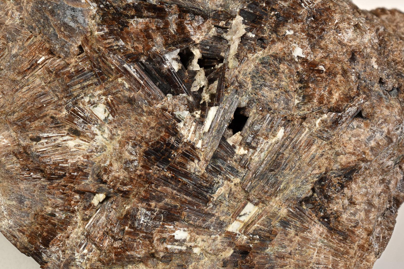 ベスブ石 / Vesuvianite