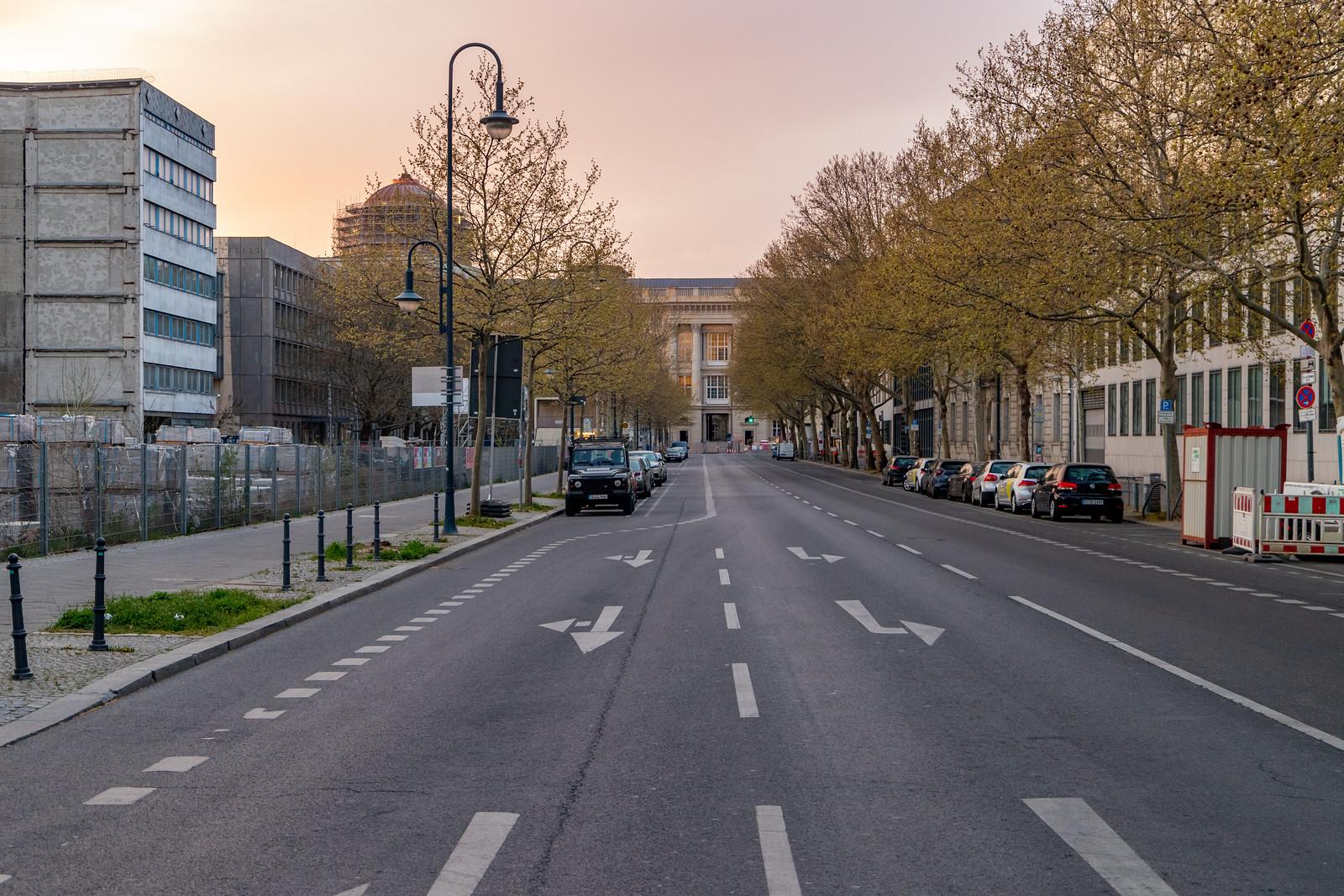 Die Breite Straße