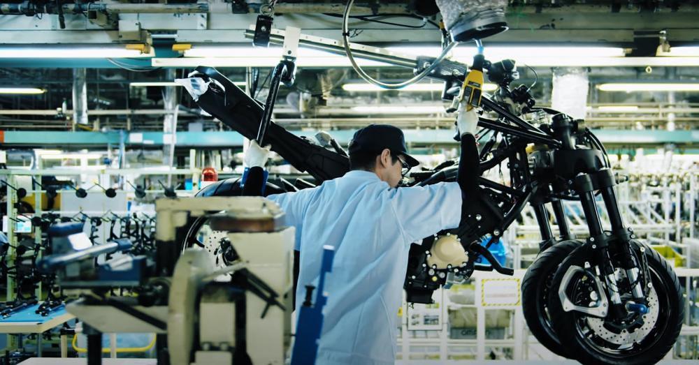 Yamaha Niken Production FSA