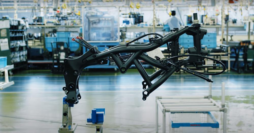 Yamaha Niken Production FB