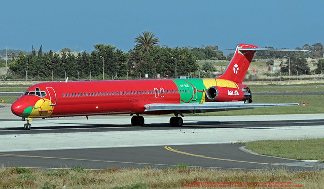 OY-RUE LMML 21-04-2020 Danish Air Transport (DAT) McDonnell Douglas MD-83 CN 49936