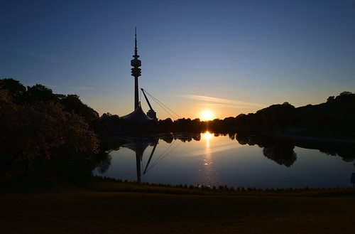 germany munich deutschland münchen bayern bavaria olympiapark olympiasee olympiaturm fernsehturm tvtower reflection spiegelung lake sunrise sonnenaufgang landscape landschaft ©allrightsreserved