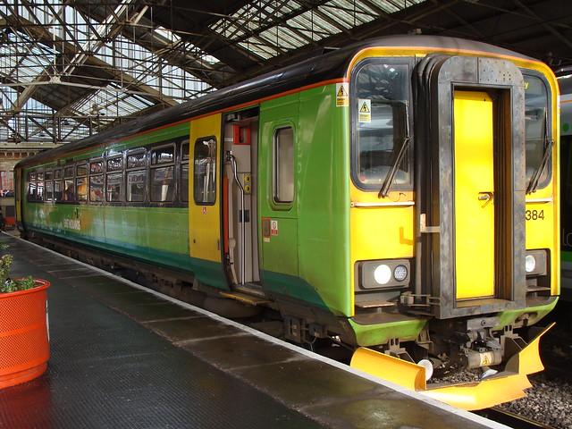 East Midlands Trains 153384