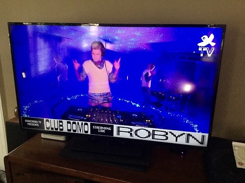 Robyn  Live at Club DOMO  4 16 19