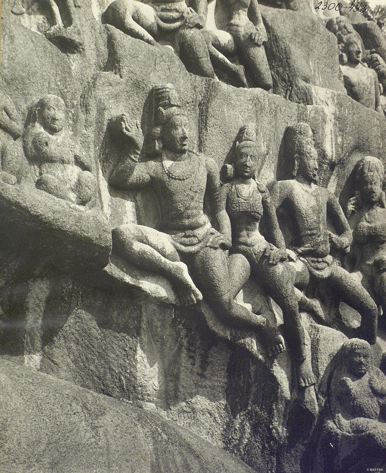 Мамаллапур (деталь рельефа «Летящие гандхарва и апсара») (10)