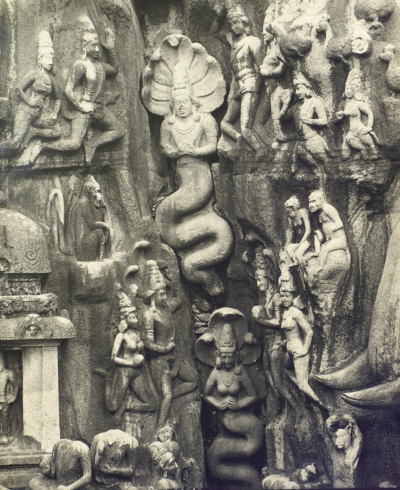 Мамаллапур (деталь рельефа «Летящие гандхарва и апсара») (4)