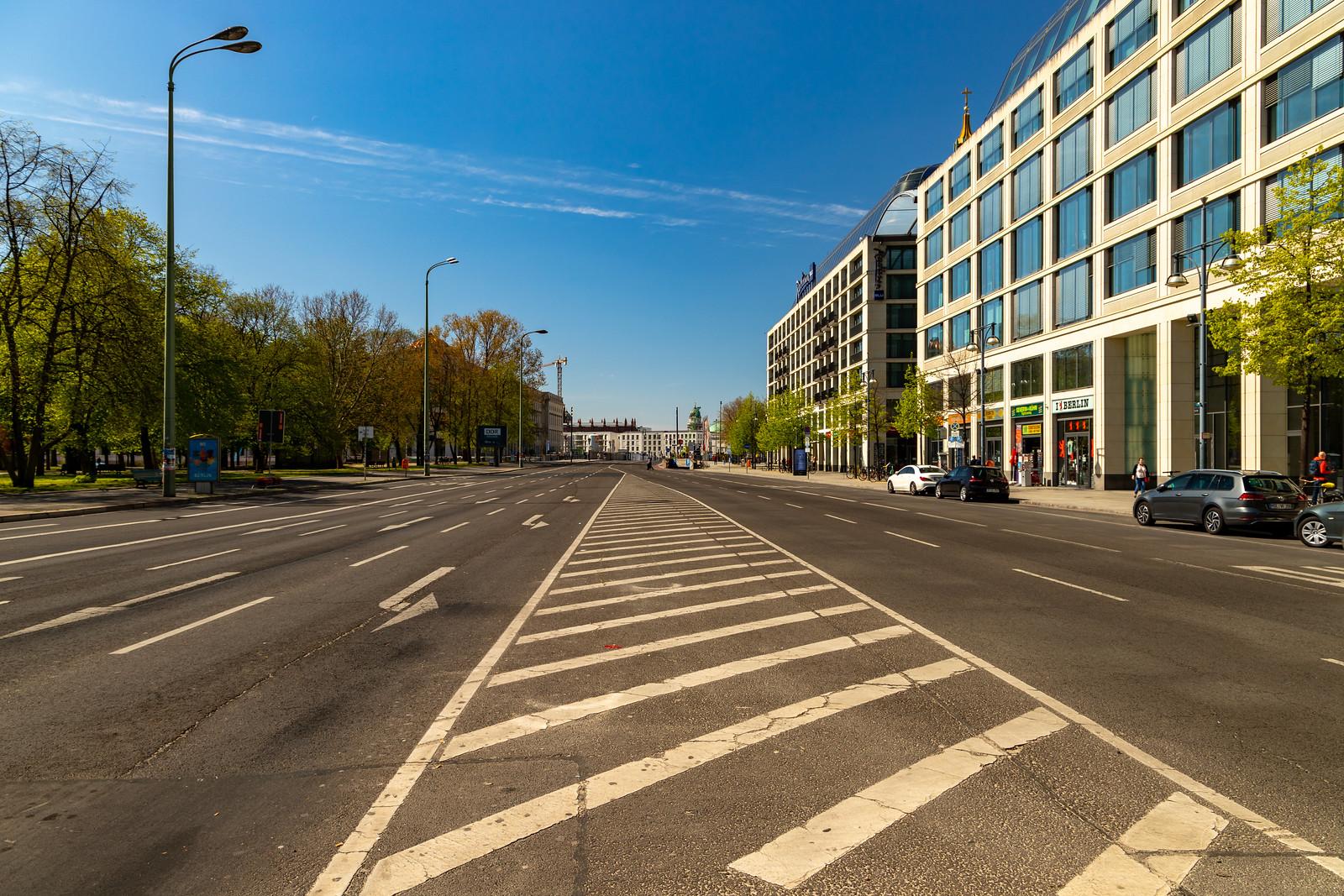 Die Karl-Liebknecht-Straße am Domaquarée