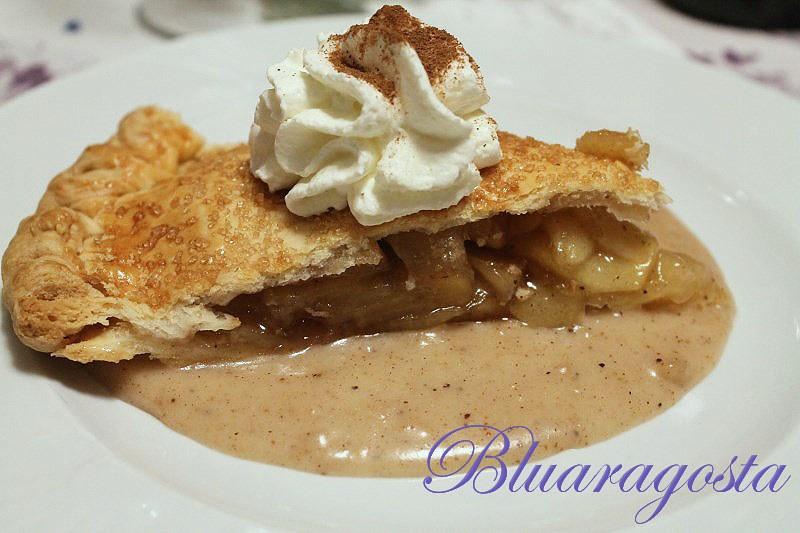09-apple pie con salsa di mele panna e cannella