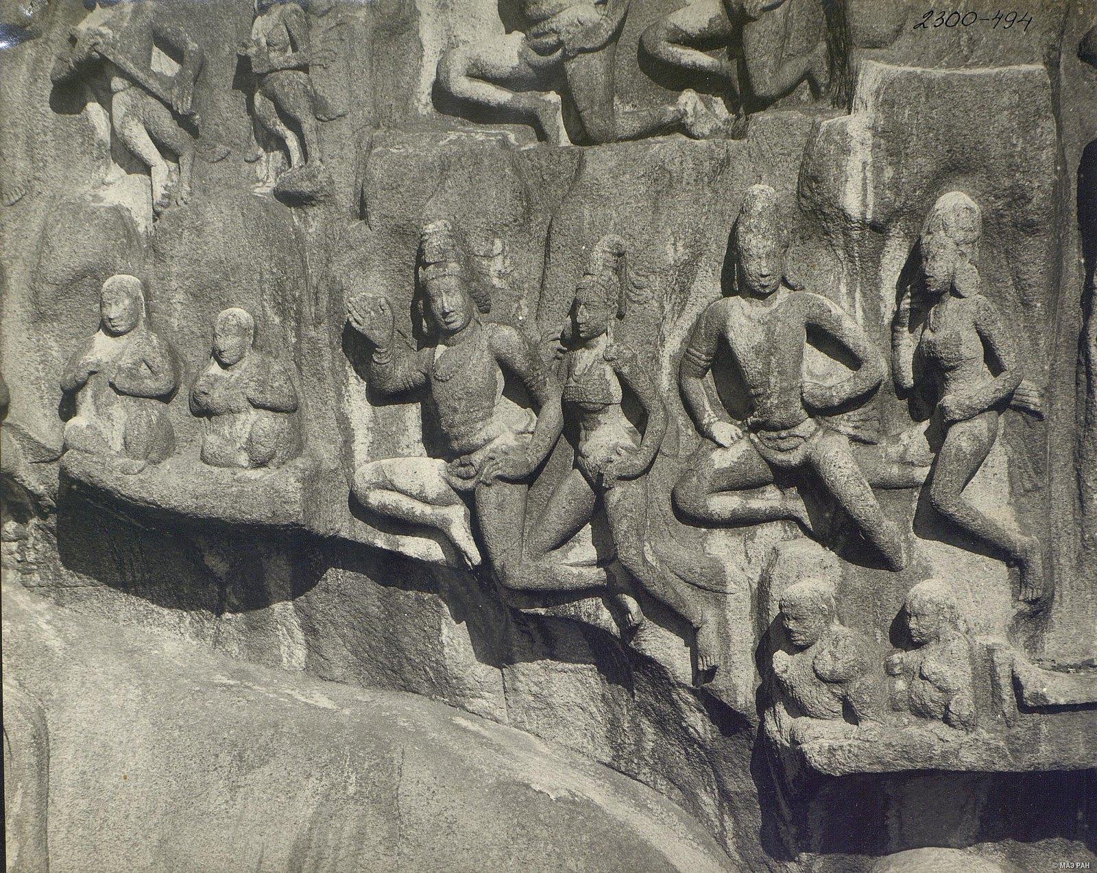 Мамаллапур (деталь рельефа «Летящие гандхарва и апсара») (8)