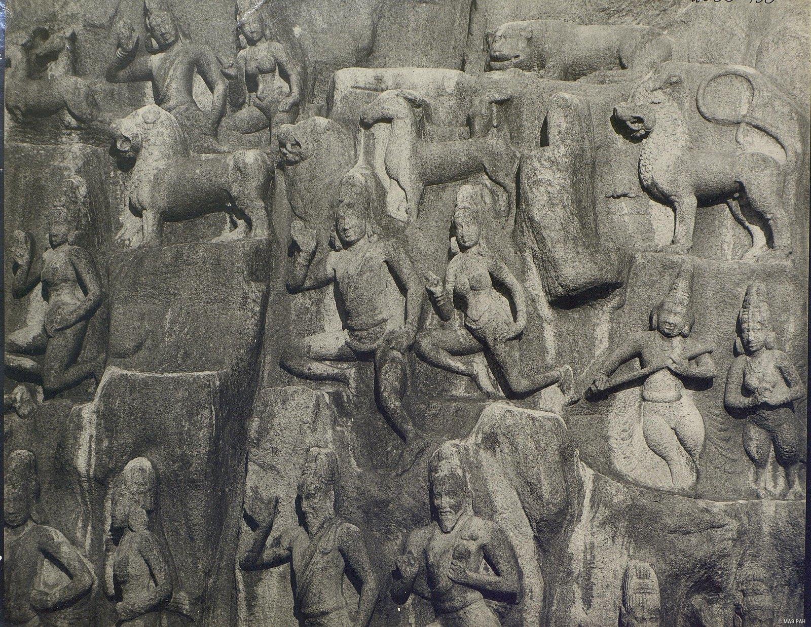 Мамаллапур (деталь рельефа «Летящие гандхарва и апсара») (7)