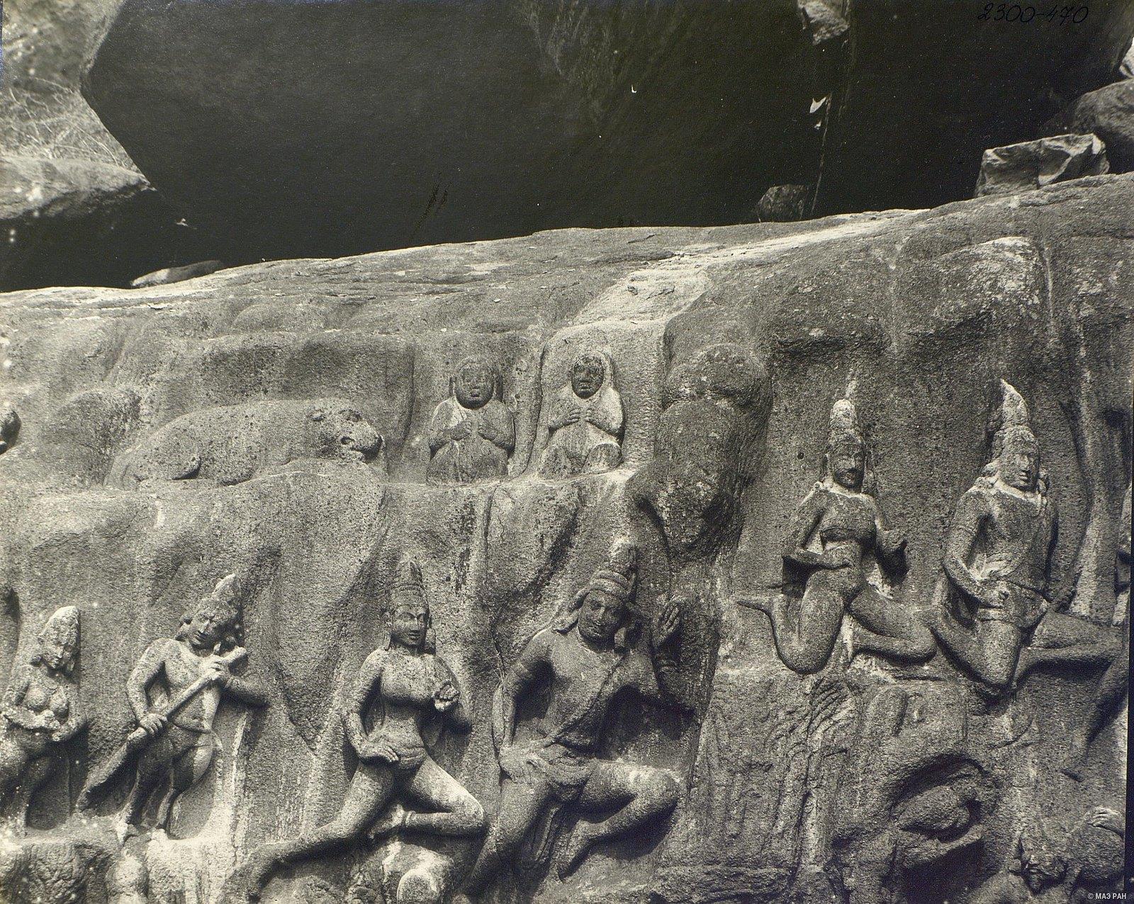 Мамаллапур (деталь рельефа «Летящие гандхарва и апсара») (6)