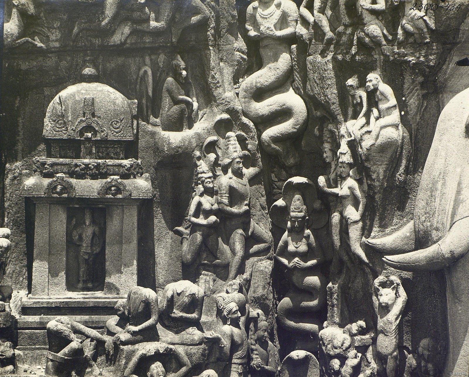 Мамаллапур (деталь рельефа «Летящие гандхарва и апсара») (3)