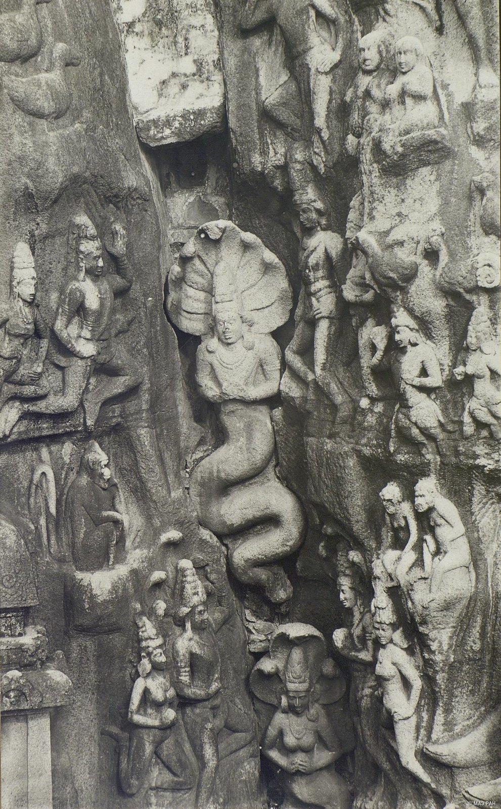 Мамаллапур (деталь рельефа «Летящие гандхарва и апсара») (1)