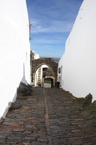 Rúa con arcos - Monsaraz