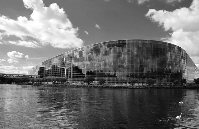 Le Parlement Européen  -  The European Parliament